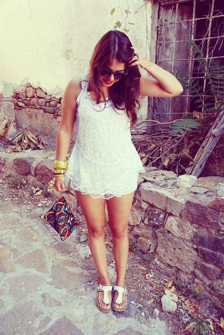 http://fashiongarden.gr/total-white-0
