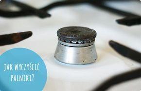 Do wyczyszczenia planików potrzebujemy: miski octu zwiniętej w kulkę folii aluminiowej Do miski wlewamy ocet palniki zdejmujemy z kuchenki i rozbrajamy na części pierwsze wkładamy do octu na 30-60 minut wyjmujemy i w zależności od tego jak bardzo były brudne, albo przecieramy zwykłą gąbka, albo folią aluminiową. Na mniejszy brud pomoże sama gąbka, ale mogą zostać uparte, pojedyncze plamki i tu lepiej poradzi sobie folia. Na koniec płuczemy i wycieramy do sucha.