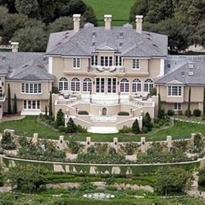17 best images about celerbrity homes on pinterest for Beautiful rich houses