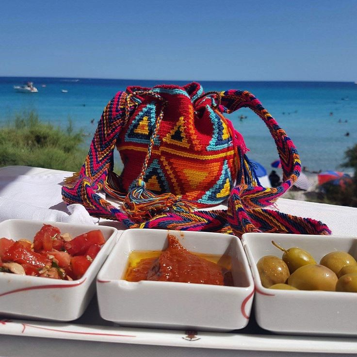 Mouthwatering greetings from Tunisia. Minimochila #wayuu from #luloplanet as handy as usual. Thank you for this pic ❤️ Joanna Kowalska-Jendoubi #wayuubag #discover #explore #tunisia #minimochila  #wayuu