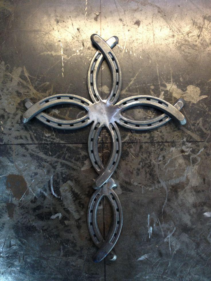 Horseshoe cross solid center misc pinterest crosses for Horseshoe welding designs