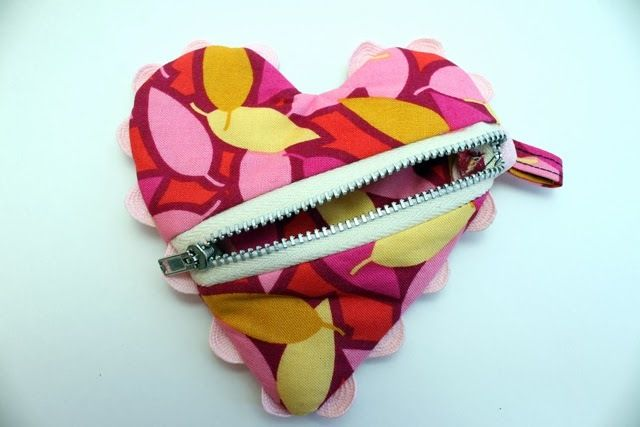 Change of Heart Coin Purse Pattern | AllFreeSewing.com