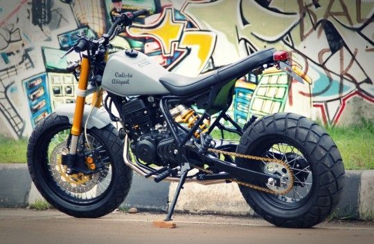 yamaha tw200 custom with extended swingarm and inverted