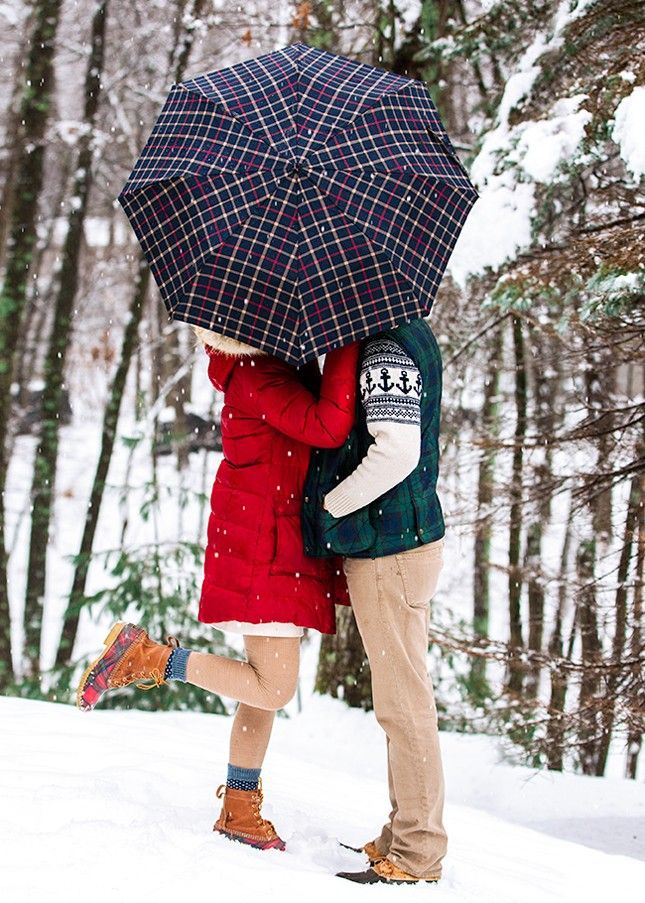 13 Winter Engagement Photo Ideas to Warm Your Heart via Brit + Co