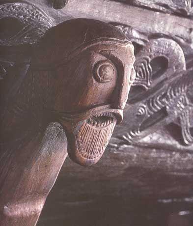 Détail d'un drakkar datant du IXe siècle, découvert avec le vaisseau d'Oseberg, près du fjord d'Oslo.