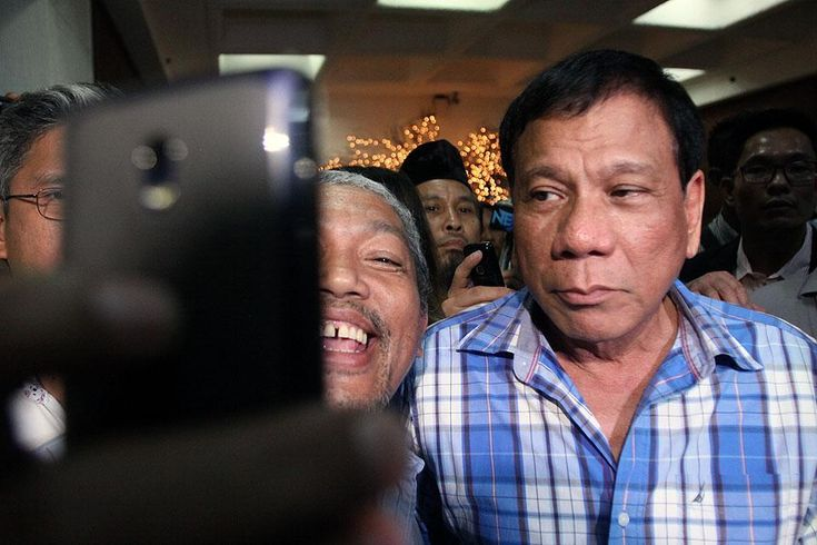 Comelec division dismisses all DQ petitions vs. Duterte The Commission on Elections First Division has dismissed all petitions to cancel Davao City Mayor Rodrigo Dutertes certificate of candidacy.