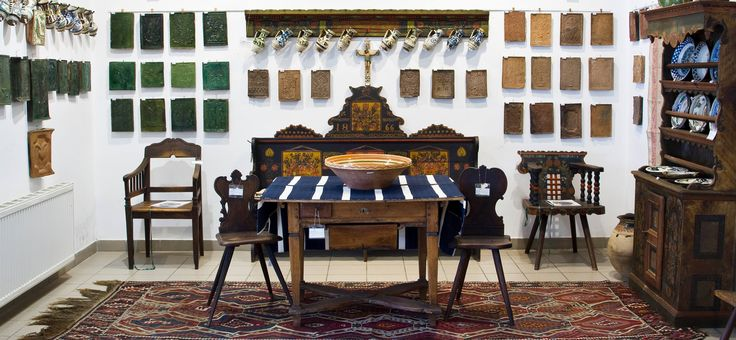 Interior with Transylvanian and Hungarian antique folk objects. Nagyhazi Gallery, Budapest, Hungary.