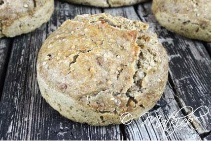 Brød med speltmel og bogvete (glutenfri meltype)