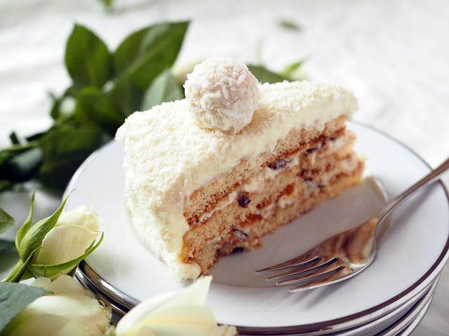 Raffaello-kakku on kookoksenystävän unelma. Raffaella Cake is a coconut lover´s dream come true.