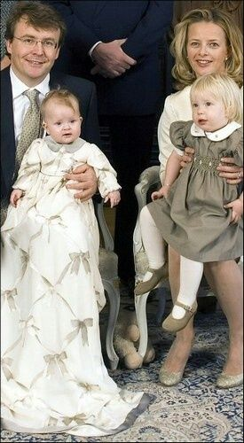 Prince Friso and Princess Mabel with their two girls in happier times.