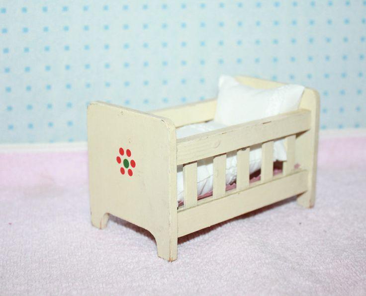 25 einzigartige puppenbett ideen auf pinterest puppenbett selber machen plamobil und puppenstube. Black Bedroom Furniture Sets. Home Design Ideas