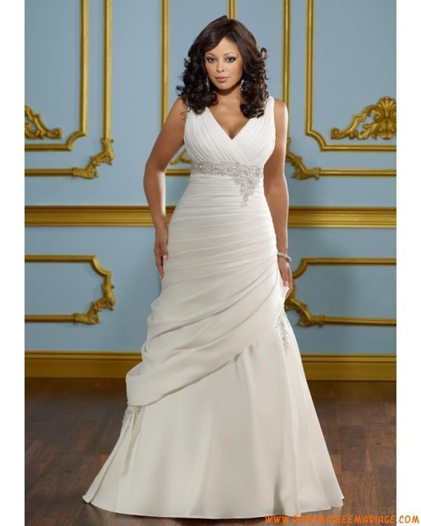 robe de mariée avec bretelle col en V au drapé blanche