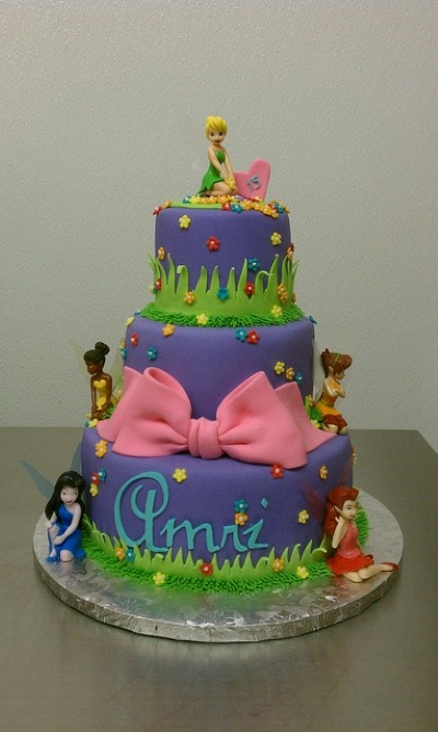 Cake Designs Tinkerbell : 1000+ ideas about Tinkerbell Birthday Cakes on Pinterest ...