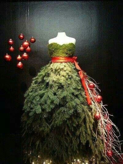 Christmas Tree Dress Paris. This is just so simple, yet so creative. Such DRAMA