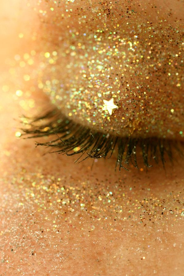 : Gold Glitter, Eye Shadows, Gold Stars, Gold Makeup, Glitter Makeup, Glitter Eye Makeup, Gold Eye, New Years, Glitter Eyeshadows