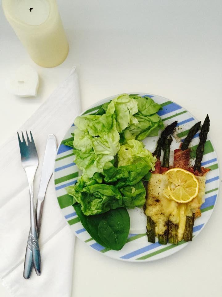 asparagus, cheese, prosciutto yummy
