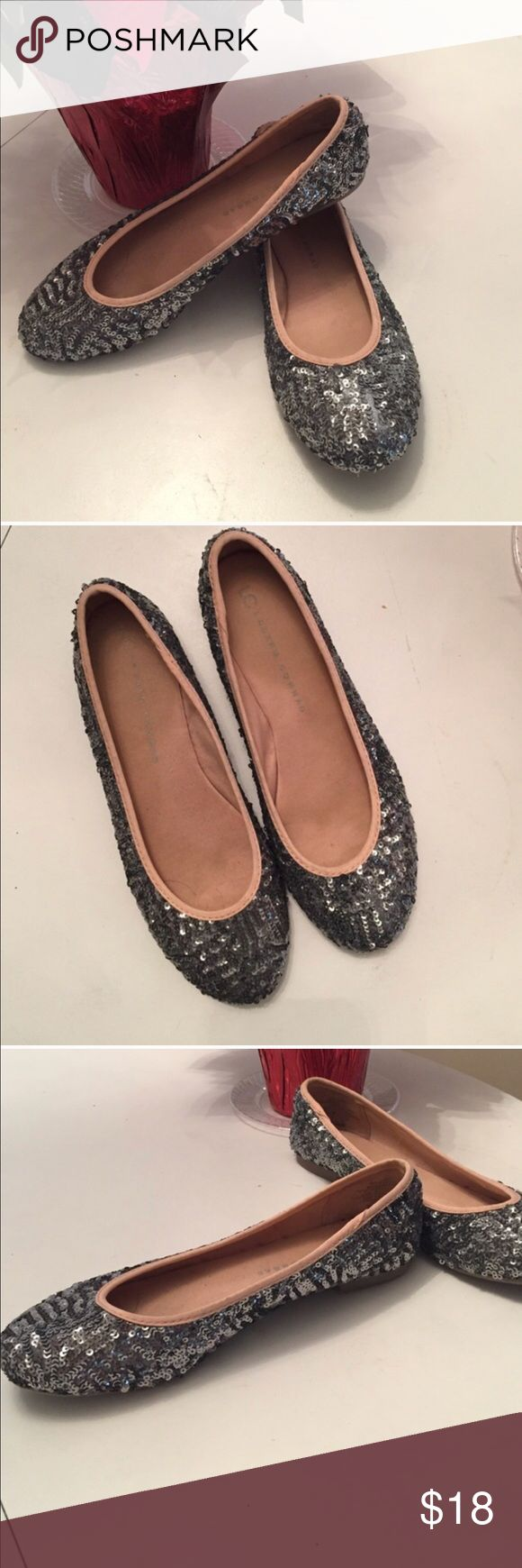 Lauren Conrad sequin flats Lauren Conrad flats super cute and add a little sparkle to any outfit. Pretty pewter gray color. In fantastic condition! LC Lauren Conrad Shoes Flats & Loafers