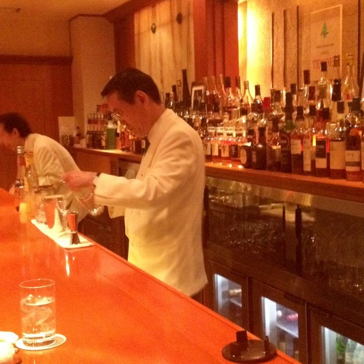 "Tender Bar, home of the ""hard shake"". This is the cocktail analog of a high-end Ginza sushi bar."