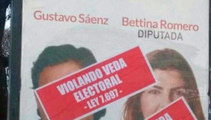 """Taparon carteles de campaña y no fue la Justicia: Un Cambio para Salta es el único frente afectado y denuncia """"campaña sucia"""". Teresa…"""