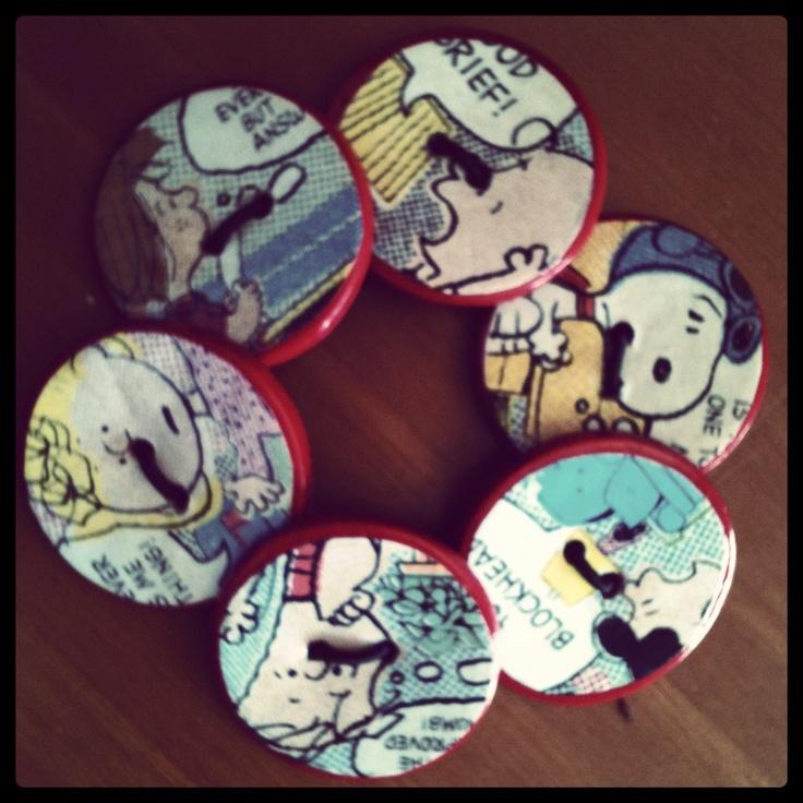 Bracciale di bottoni di pasta fimo decorati con le immagini dei Peanuts