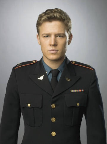 Chris Egan... Love him in Letters to Juliet and Kings! I wish Kings had lasted longer.