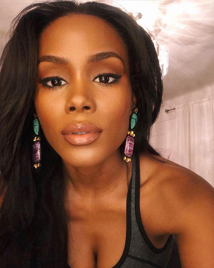 9 Soft Pink Lipsticks for Black Women with Dark Skin