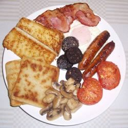 Yummy Irish Fry with potato bread (swap black pudding for white pudding though) :o)