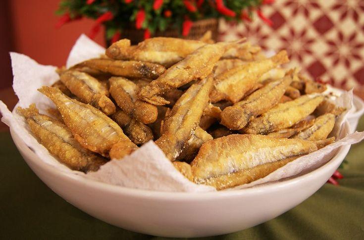 Manjubinha frita com Molho de Endro