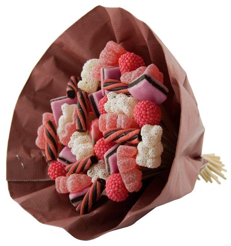 Snoepboeket  Description: Orgineel snoepboeket met verschillende soorten snoepjes! Leuk om iemand cadeau te geven.  Price: 6.25  Meer informatie  #Jamin