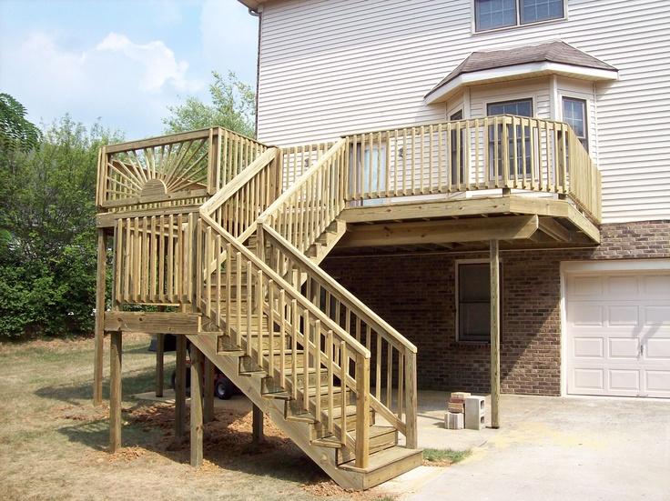 Sunburst Deck With Landing On Steps Wood Decks