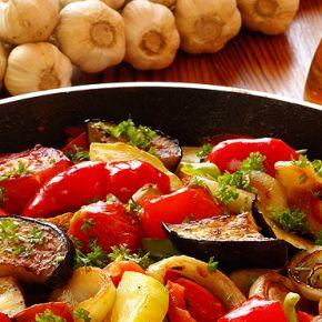 Recept za Ratatouille, svjetski poznato jelo od povrća, ukusne i zdrave francuske kuhinje.