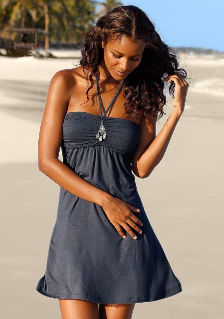 Neckholder-Strandkleid von LASCANA - Klick das Bild!