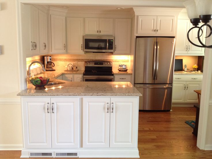 Aspect cabinetry white thermafoil raised panel doors and - Poplar wood kitchen cabinets ...
