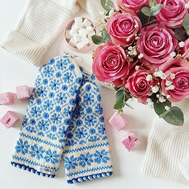 Winter tenderness ❄ Shop warm 100% wool mittens, hand- knitted by Latvian grandmothers ☺ Great choice of patterns, traditional designs and oh, so pretty ❤ WWW.TINES.LV WORLDWIDE SHIPPING #tinesshop