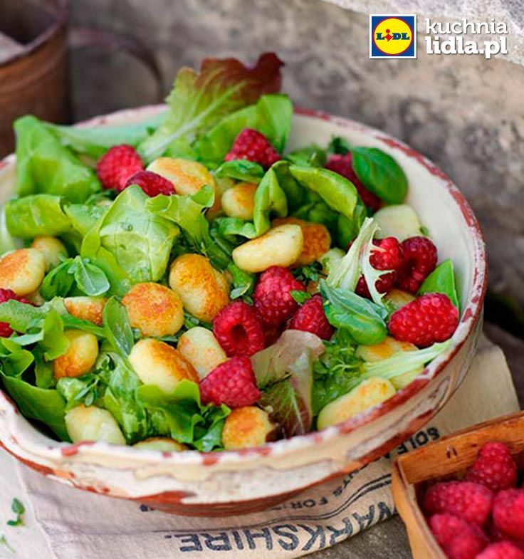 Sałatka z malinami, gnocchi i cytrynowym winegretem. Kuchnia Lidla - Lidl Polska. #lidl #ryneczeklidla