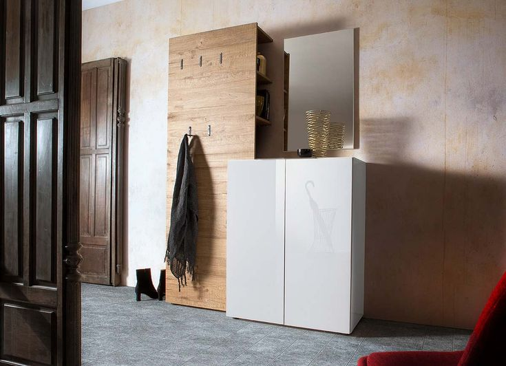 Garderobe in Hochglanz weiß/Eiche-Dekor, Kommode, Paneel und Spiegel, Gesamtmaß: B/H/T ca. 135/190/39 cm