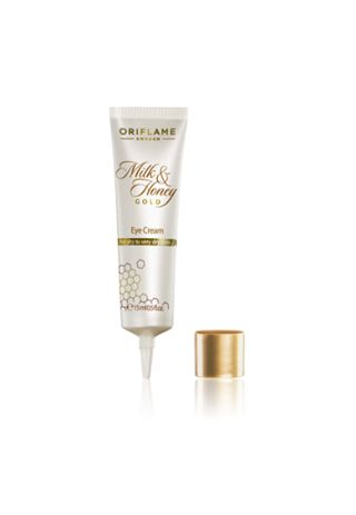 This luxurious, rich-textured eye cream developed specifically for eye contour, improves skin tone and hydration. Leaves eye area looking firmer and smoother while skin looks instantly moisturised and glowing. Ophthalmological tested. 15 ml.