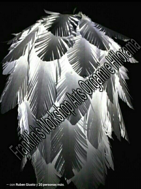 Lampara de plumas de papel
