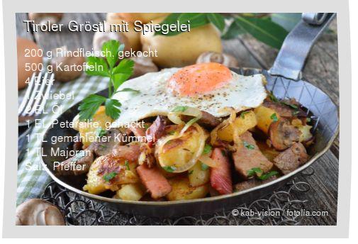 Leckeres Tiroler Gröstl mit Spiegelei Rezept mit einfacher Schritt-für-Schritt-Anleitung: Kartoffeln kochen, schälen und in Scheiben schneiden , Rindfl...