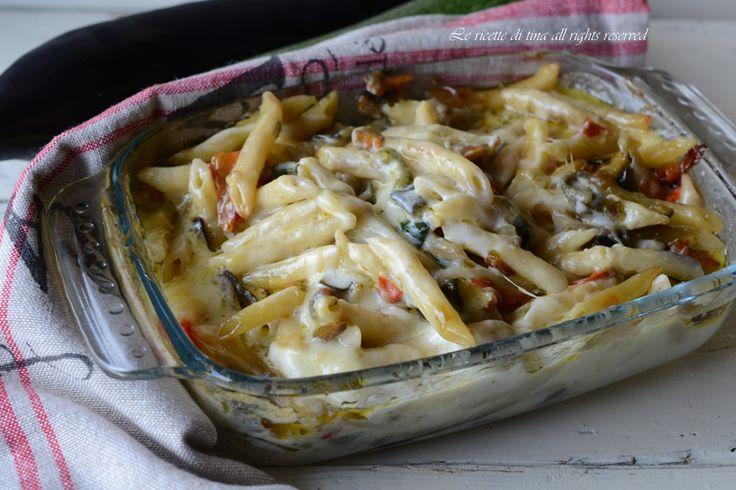 Pasta al forno verdure e scamorza con besciamella in bianco,senza carne