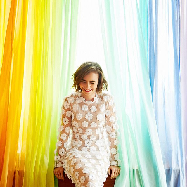 Лили Коллинз – новые фото, портреты и фотосессии