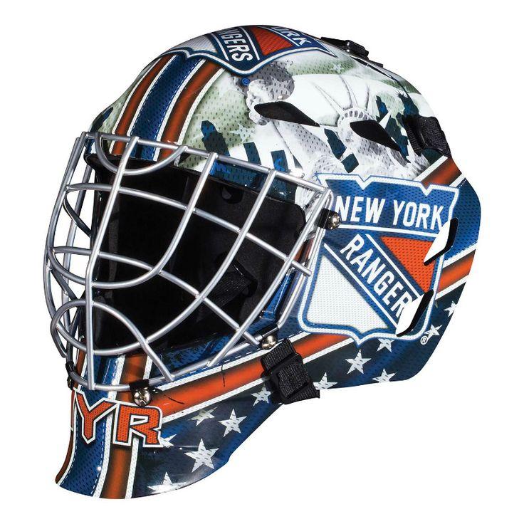 Här är en tuff Street Hockey målvaktsmask för barn från 6 år upp till 12 år. Designad efter ditt favoritlag i NHL, New York Rangers. Officiellt licensierad NHL@ produkt.  Denna mask är avsedd för spel med mjukboll eller street hockey puck.  Fakta För barn mellan 6-12 år. Krom stål galler. New York Rangers motiv. Tillverkare: Franklin Sports.