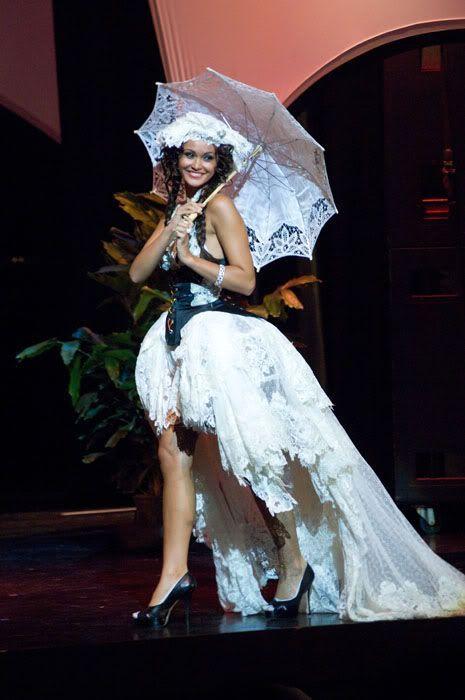 National costumes at Miss Universe 2009 (50 pics) Belgium