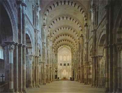 Nef de l'abbaye de la Madeleine à Vézelay