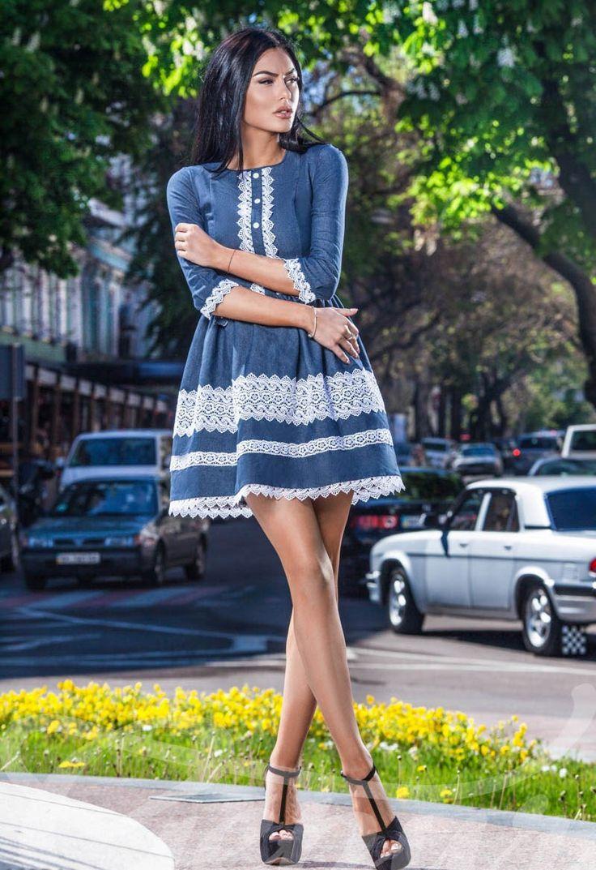 Короткое платье из джинса в стиле беби долл