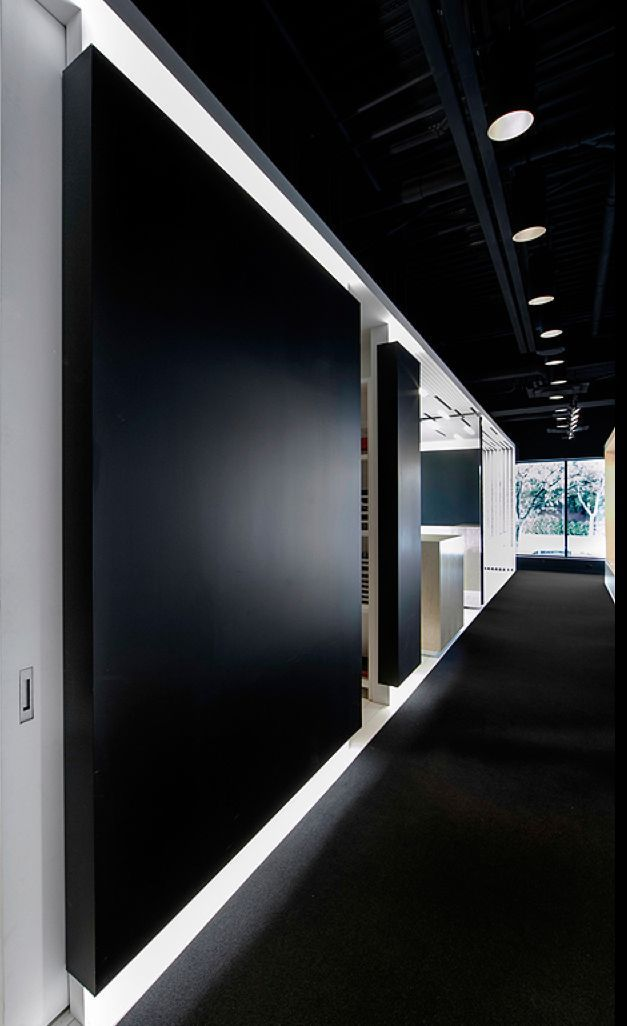 L'Aire Visuelle shop in Canada / Shed Architecture