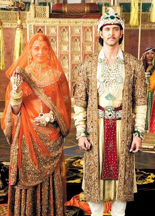Aishwarya Rai & Hrithik Roshan in 'Jodhaa Akbar' (2008).