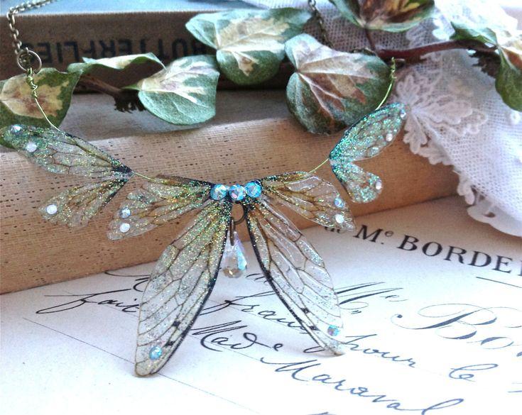 Beautiful delicate faerie winged necklace van UndertheIvy2 op Etsy, £26,50