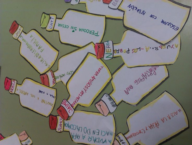 Para el día de la Paz , los peques están realizando unas botellas en las que han escrito un mensaje relacionado con la paz. Tras una lluvia...