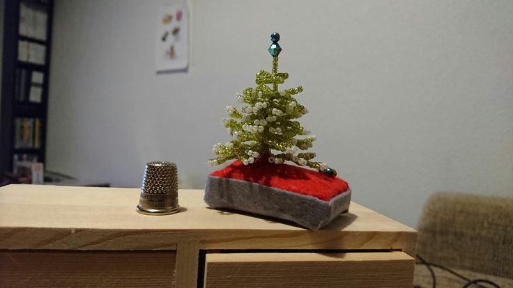 Árbol de Navidad con abalorios